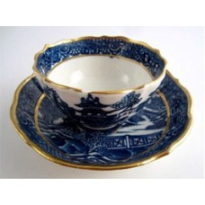 Caughley Scalloped Tea Bowl and Saucer, Blue and White 'Pagoda'  Landscape Pattern,  c1785