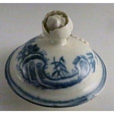 First Period Worcester cover (possibly to a sparrow beak milk jug), decorated with underglaze blue 'Fence pattern', with a moulded flower finial, c1780