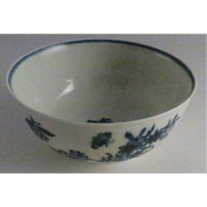 First Period Worcester Slops bowl, Decorated With The 'Three Flowers' Pattern, c1780