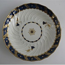 Worcester Oval Shanked Saucer, Blue and Gilt Decoration with 'Bluebell pattern', c1795