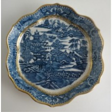 Caughley Hexagonal Shape Printed Underglaze Blue 'Pagoda' Teapot Stand, c1785