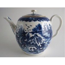 Worcester Barrel Shaped Teapot and Cover, Decorated with Blue and White prints of the Oriental 'Temple' pattern (without a bridge), c1785