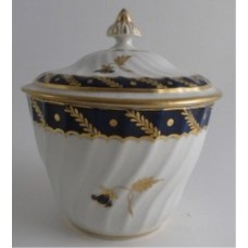 Flight and Barr period Worcester Circular Shanked Sucrier and Cover, Blue and Gilt Decoration with the 'Bluebell' pattern, c1790