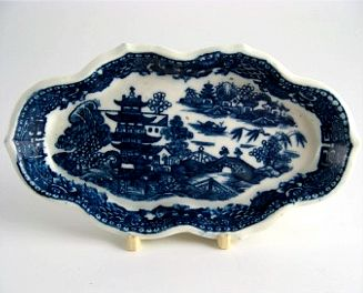 Caughley Rare Spoon tray, Blue & White 'Pagoda' Pattern Decoration, Elongated Hexagonal Shape, faint 'S' Mark, c1785