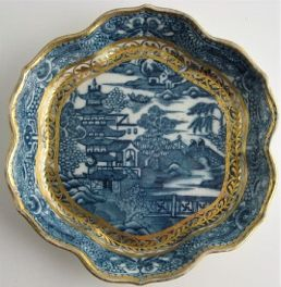 Caughley Scalloped Hexagonal Teapot Stand, Blue & White 'Pagoda' Landscape Pattern, c1785