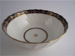 Flight and Barr period Worcester Circular Shanked Slops Bowl, Blue and Gilt Decoration with the 'Fly' pattern, c1790