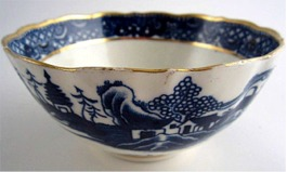 Caughley Scalloped Slops Bowl, Blue & White 'Pagoda' Landscape Pattern, c1785
