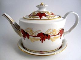 Coalport Oval Teapot and Stand, Red & Gilt Vine Leaf Decoration, c1800-1805