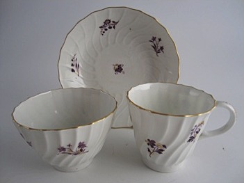 Barr Worcester 'shanked' Trio, Decorated in Purple and Gilt Flower Sprigs, c1795