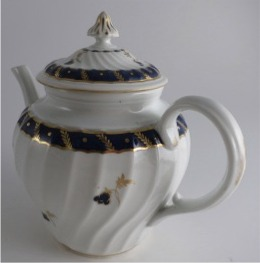 Worcester Circular Shanked Teapot, Blue and Gilt 